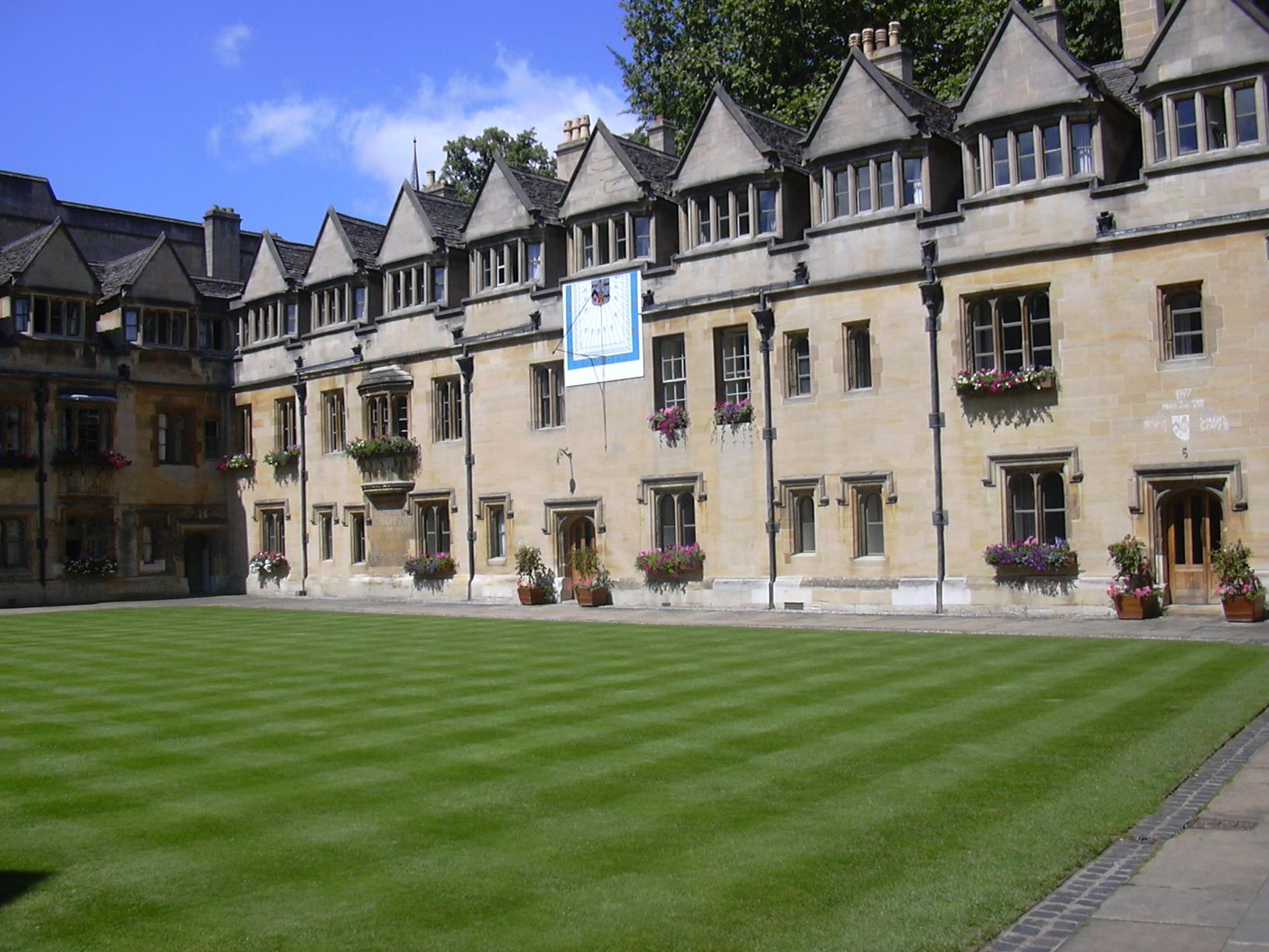 Стипендия за журналисти със стаж в  University of Oxford