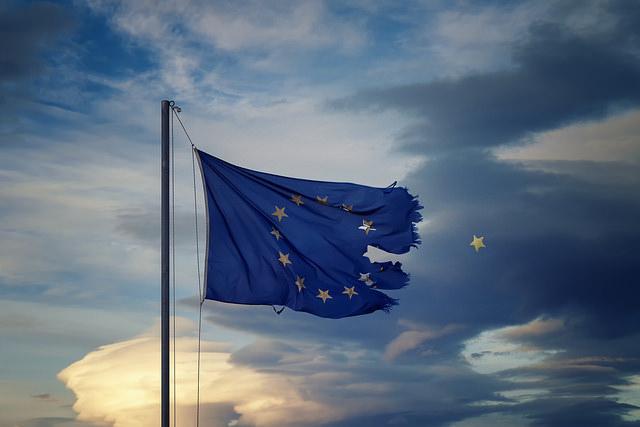 Ден на Европа: Ще позволили ли ЕС да бъде убит с крива краставица?